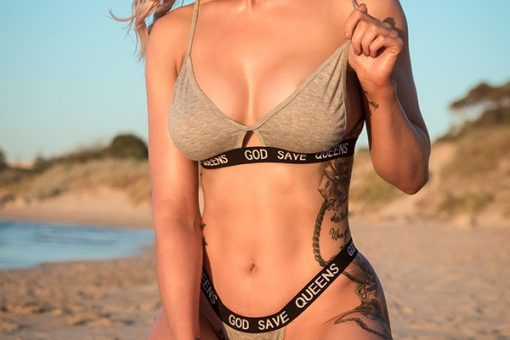 Mackenzie WA Topless Waitress
