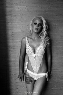 Portia Delatte Topless Waitress Melbourne