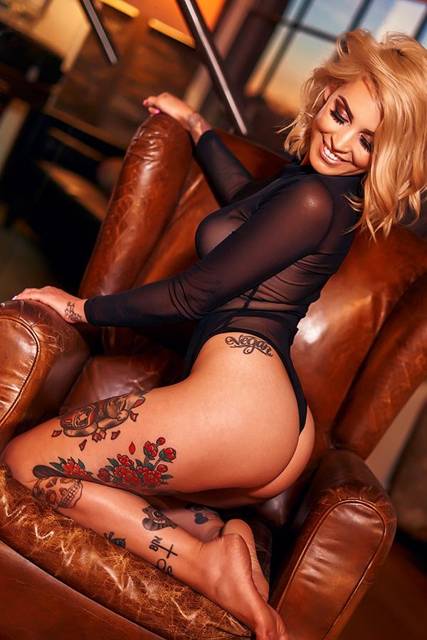 Miller Melbourne Topless Waitress