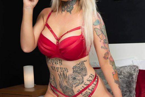 Brookey Parris Topless Waitress WA
